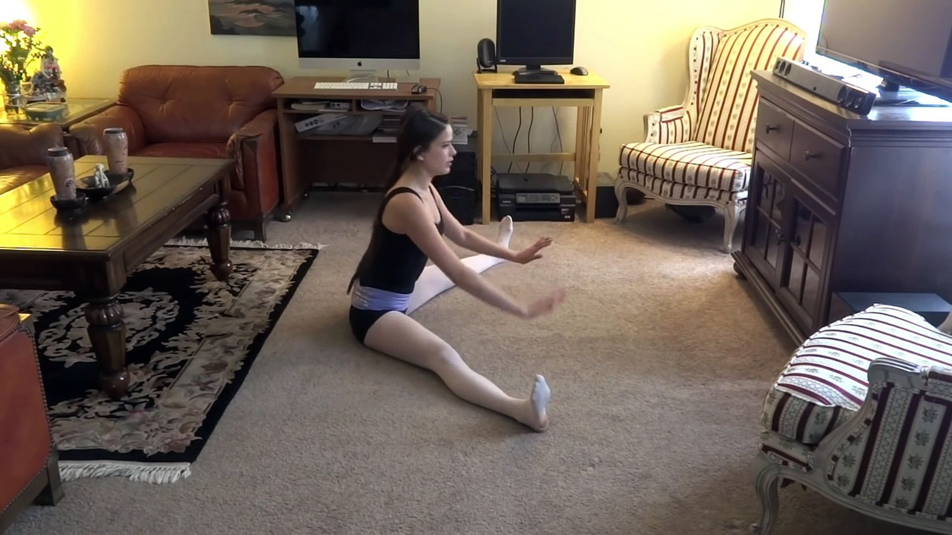 Stretches for Beginning Ballet - Daily Stretching Routine - How to Get Your Splits!