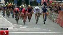 La grosse boulette du cycliste Anthony Turgis qui lève les bras alors qu'il n'a pas gagné !