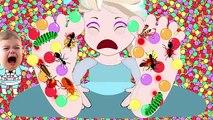 Frozen Elsas GROSS TONGUE! Frozen Elsa has a GROSS TONGUE! Frozen Elsa Eats Bugs Supeheroes IRL!