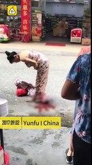 Chinoise Accouche Dans La Rue