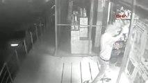 İzmir İşyerindeki Hırsızlık Güvenlik Kamerasında