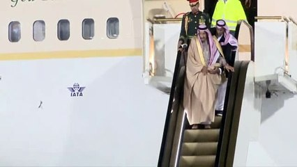 Russia and Saudi Arabia 'sign $3bn arms deal' as King Salman visit