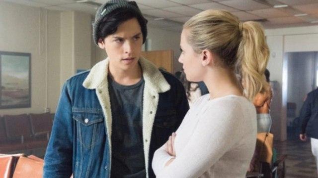 Riverdale Season 2 Episode 12 (01X12) Online Streaming HD1080p