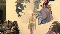 Mode: Iris Van Herpen présente une collection avant-gardiste