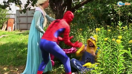 Spiderman & Frozen Elsa vs SMELLY FEET! Funny Superhero