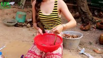 Beautiful Girls Cooking Snake | How to Cook Water Snake in Cambodia | Village Food Fory