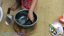 Beautiful girl Roasted big fish with banana Bark-Roasted Fish Recipe-How to Roasted Delicious fish