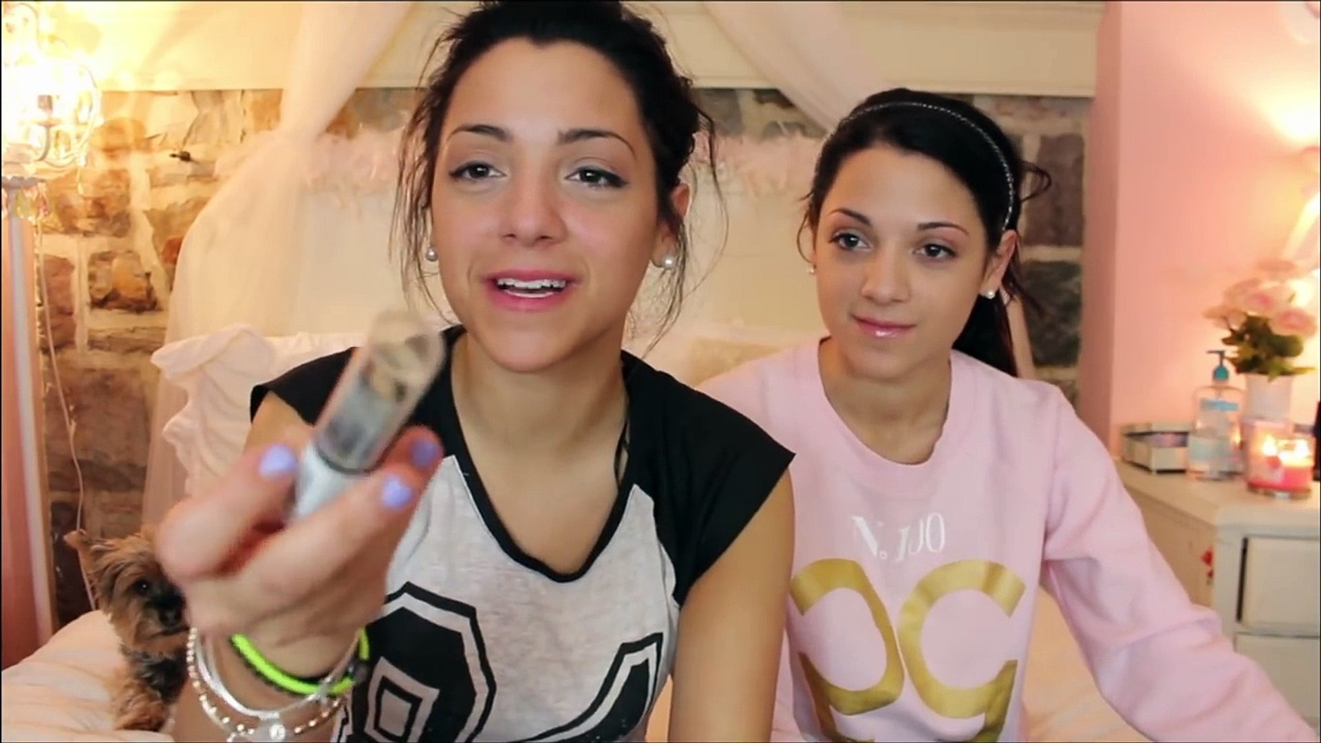Niki and Gabi Beauty Blindfolded Makeup Challenge + Outfit Challenge!