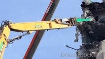 CATERPILLAR 385C HIGH REACH DEMOLITION EXCAVATOR RIPPING DOWN BUILDING