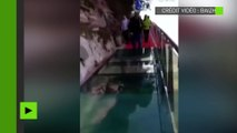 [Insolite] En Chine, un pont de verre donne l'illusion de se fissurer sous les pieds des touristes