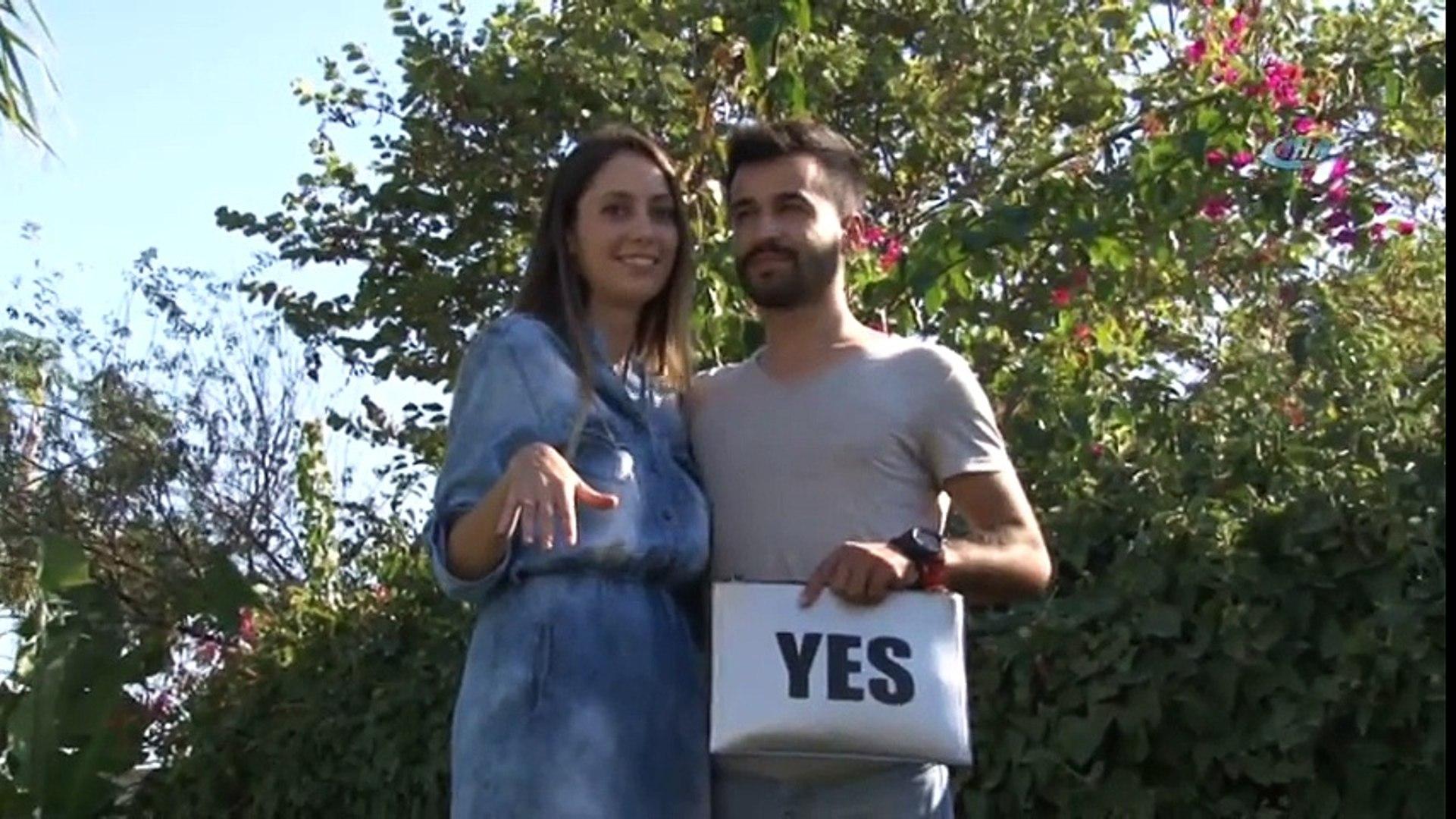 Denizin 20 Metre Altında Evlilik Teklifi