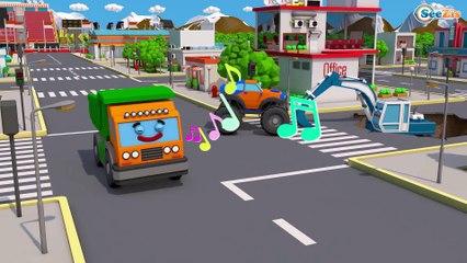 Terrível Acidente de Caminhão com CARROS! Video Para Criançinhas - Caminhões de Construção