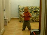 Thomas à 15 mois et demi qui marche