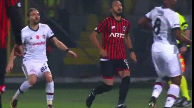 Red Card Position Ryan Babel Genclerbirligi 1 - 0 Besiktas