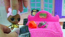 LOL Surprise Big & Lil Sisters Bed Time Night Routine - Take Bath, Pee, Brush Teeth