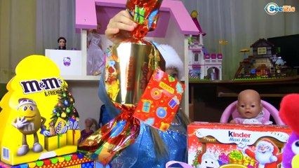 Bad Baby. Giant Candy from Santa Claus / Распаковка от Ярославы Видео для детей Tiki Taki