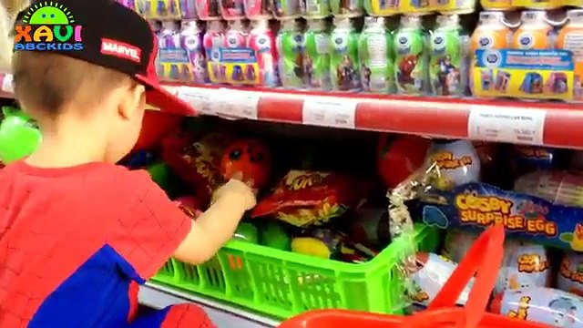 Kid Grocery Shopping Trip with spiderman Shopping Cart everyday Giant Surprise Eggs