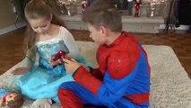 Dağınık TUVALET BRÜT! Dondurulmuş Elsa ve Venom Brüt Tuvalet Oyuncak Superhero Çocuk IRL