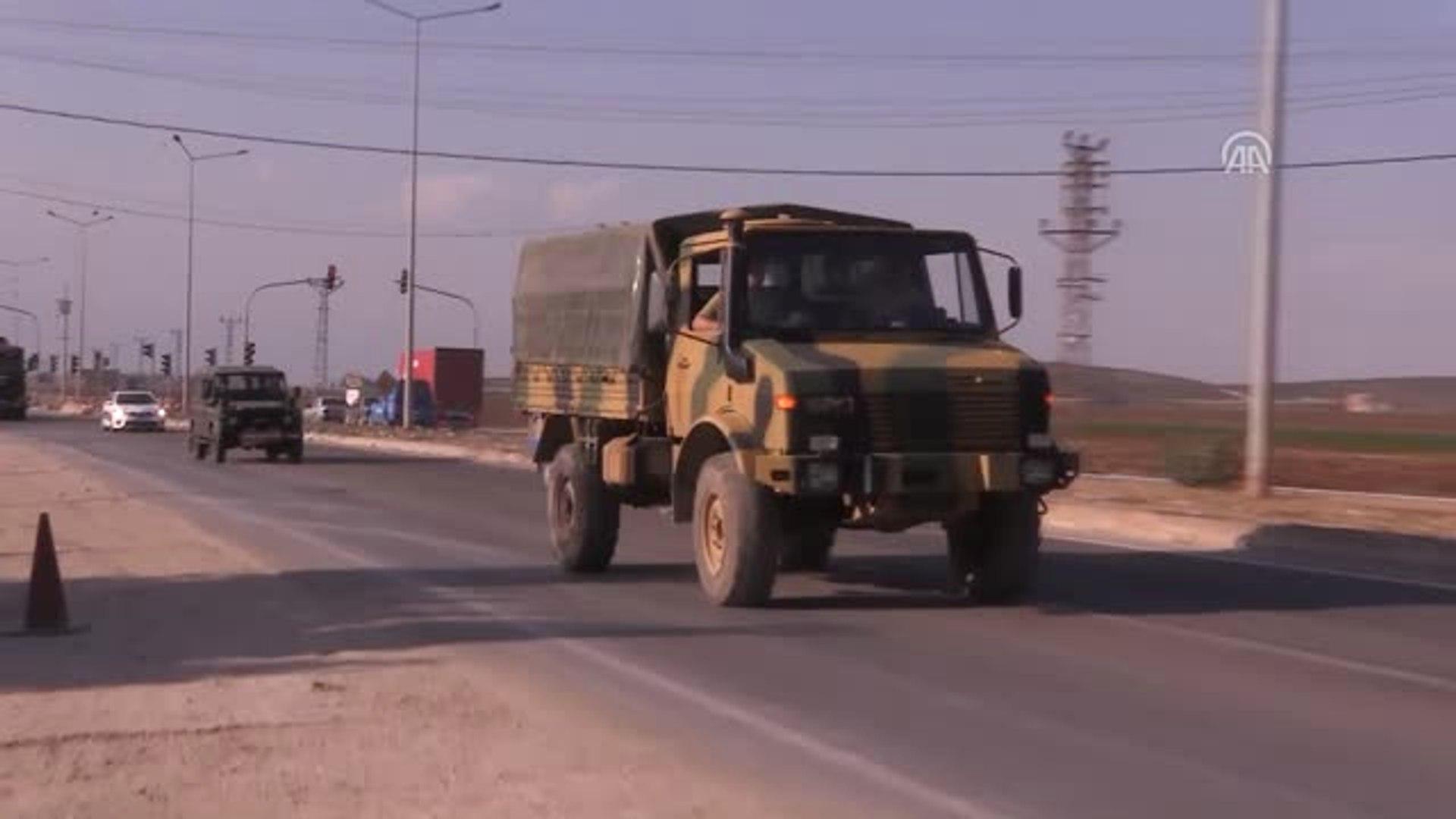 İdlib'de Çatışmasızlık Bölgesi - Obüs, Zırhlı Vinç ve Askeri Araçlar Sınır Hattına Konuşlandırı