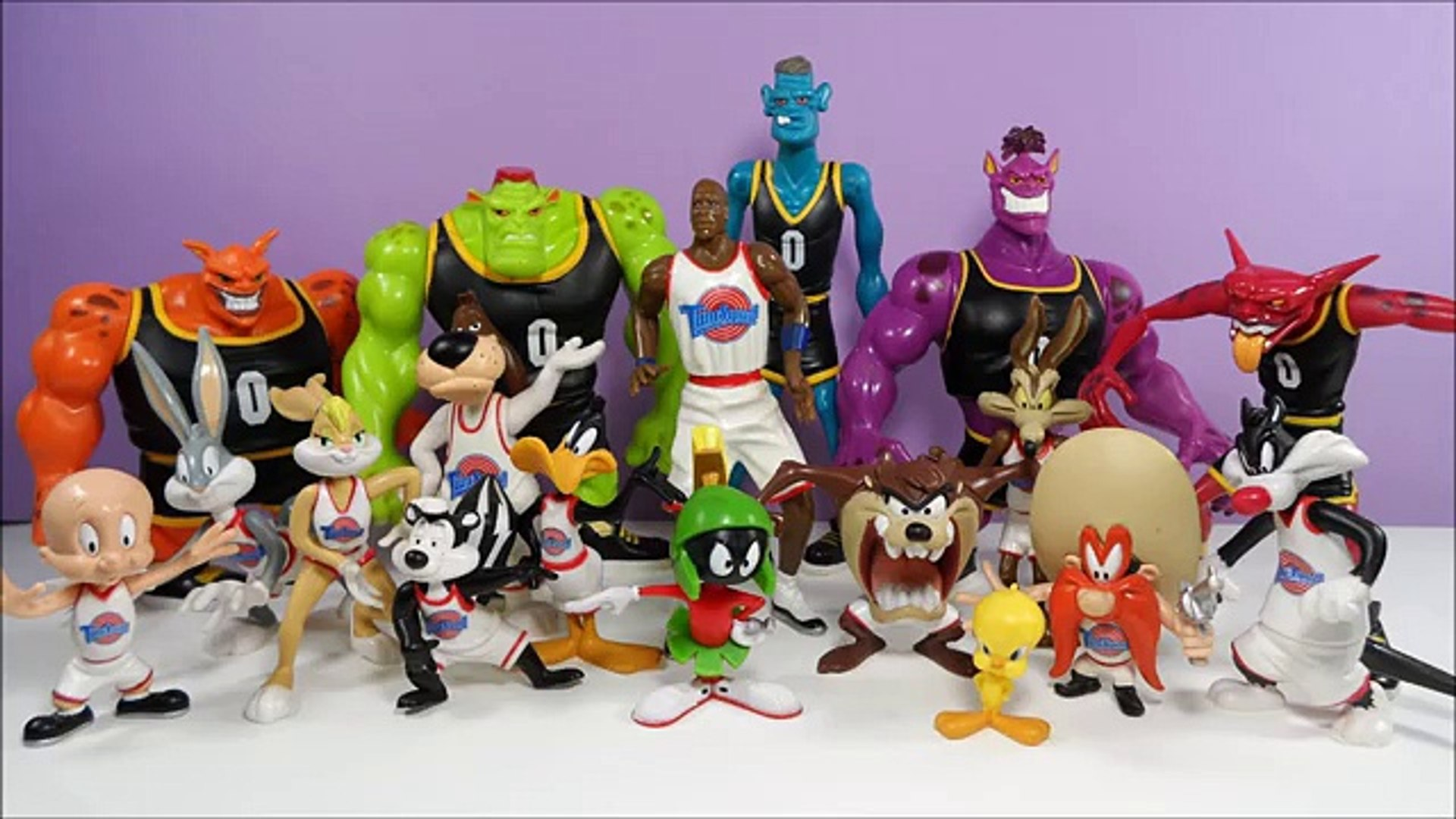 Playmates 1996 Space Jam Basketball Tune Squad Daffy Duck Figure