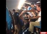 Un jeune supporter de NFL frappe un homme assis dans les tribunes