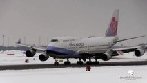 China Airlines Boeing 747 Extreme Landing at New Chitose Airport, Japan