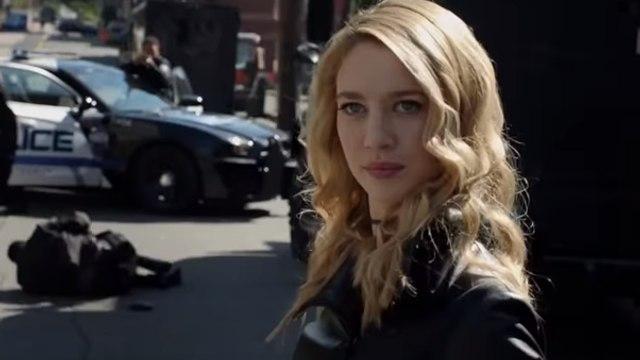 """Regarder Supergirl Saison 3 - Episode 2: Online.2017 (Série télé) HD_S03, Ep02 """"Triggers"""" gratuit en ligne"""