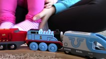 Thomas and Friends Motorized Thomas the Tank Engine Racing Brio Trains | Trains for Kids