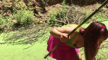 Amazing Bamboo Spear Makes by Beautiful Girl-Primitive Bamboo Spear Fishing Catch A Lots Of Fish