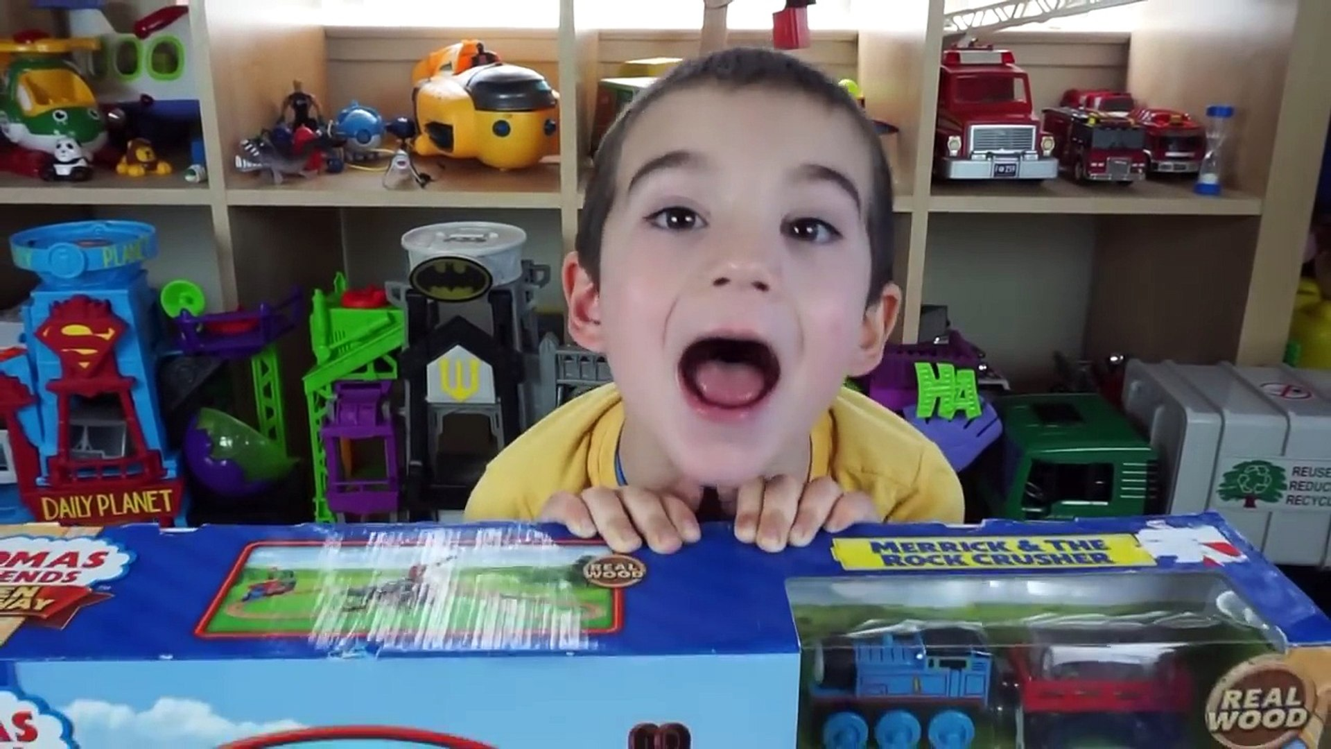 Thomas and Friends Toy Trains for Kids - Toy Unboxing - Wooden Railway Merrick & Rock Crusher