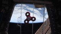 Voici comment réagit un hand spinner dans l'espace