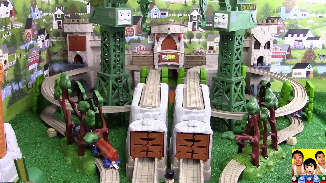 THOMAS AND FRIENDS THE GREAT RACE #155 Thomas and Friends TrackMaster  Thomas & Friends Toy Trains