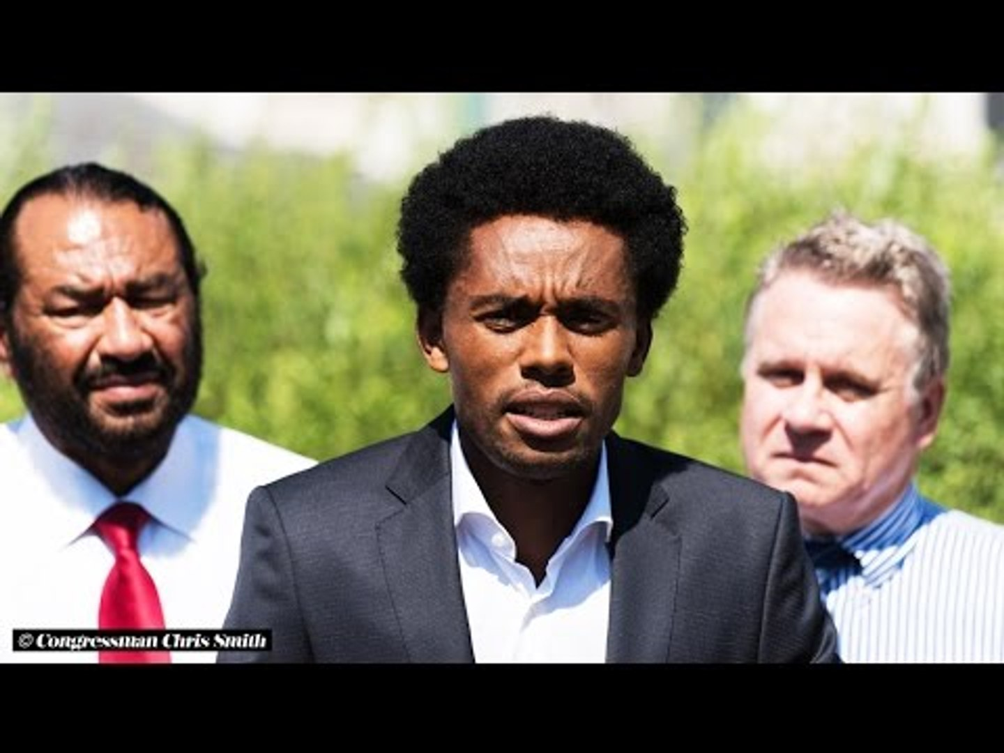 Feyisa Lilesa criticizes Ethiopian government, says he still wants to run for Ethiopia