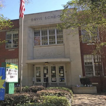 This school is changing its name from Jefferson Davis to Barack Obama [Mic Archives]