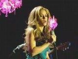 Shakira Hay Amores LIVE