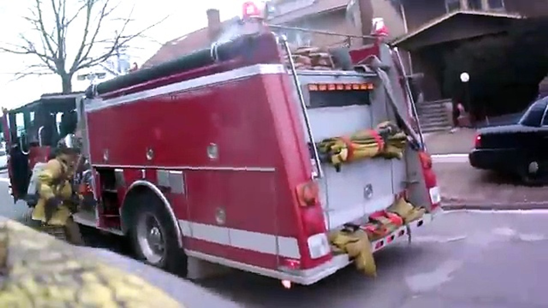 3 well involved house fires on Portage st Highland Park MI fatal