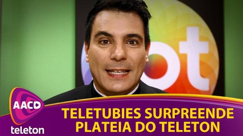Teletubies surpreende plateia do Teleton