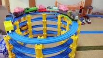 びっくら?たまご1Box 仮面ライダードライブシフトカー入浴剤&きかんしゃトーマス・ゴードン・ジェームス Kamen Rider Bath Ball &Thomas Toys