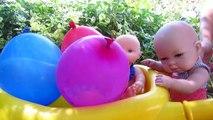 Piñatas de globos de agua con sorpresas con bebés Nenuco y la muñeca bebe Lucía en Mundo Juguetes