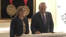 Dışişleri Bakanı Çavuşoğlu 'Yerelden Küresele Gaziantep' Konulu Toplantıya Katıldı