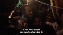 """Macron à des fumeurs de cannabis en Guyane: """"Il y en a parmi vous qui ne fument pas que des cigarettes"""""""