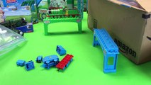 Thomas and Friends MEGA Bloks MEGA Train Haul - 10 locomotives