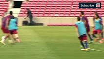 Lionel Messi owns Carles Puyol in Barcelona training - Amazing skills!