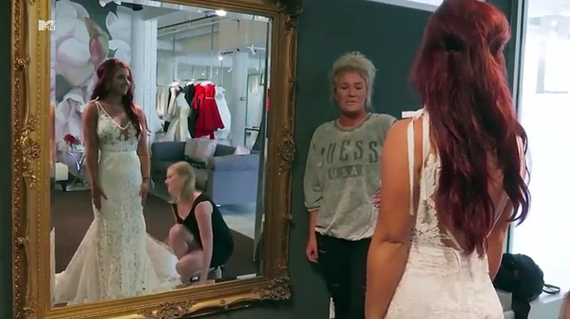 Chelsea Houska Wedding.Watch Chelsea Houska Try On Her Wedding Dress In This Stunning Never Before Seen Video