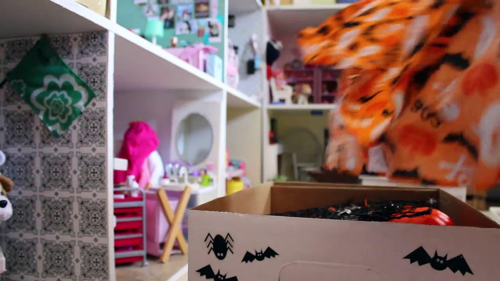 Unboxing American Girl Halloween Decorations!