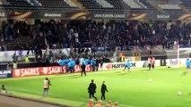 Guimaraes-OM : Patrice Evra frappe un supporter de l'Olympique de Marseille à