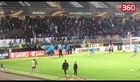 Futbollisti Evra godet me shkelm ne koke nje fans perpara fillimit te ndeshjes (360video)