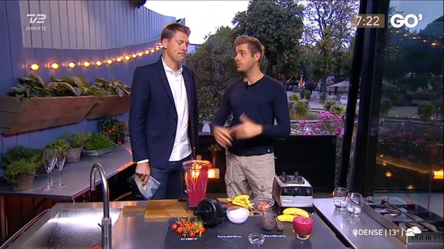 Mads Bo laver smoothies af hyben i Go' morgen Danmark
