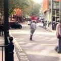Skater es atropellado y se levanta como si nada le hubiera pasado