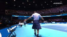 Roger Federer en kilt face à Andy Murray